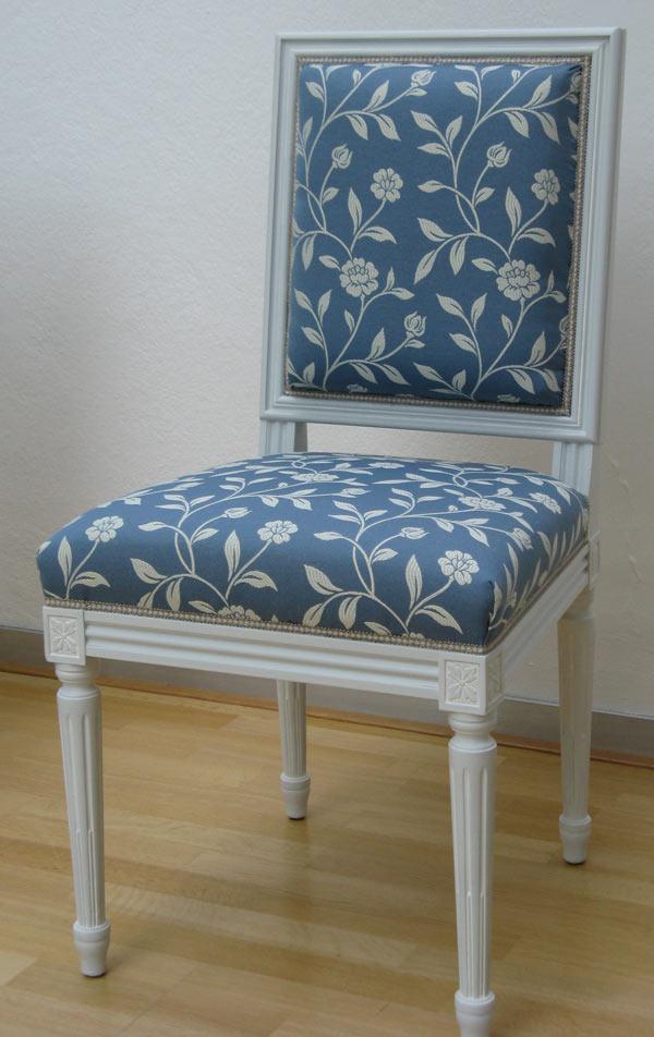 Stuhl blau Ornamente